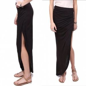 GENTLE FAWN Maxi Skirt With Slit Cut Side Black M